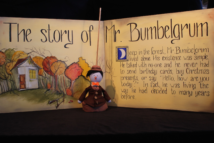 Puppet, marionnette, house, pop up book