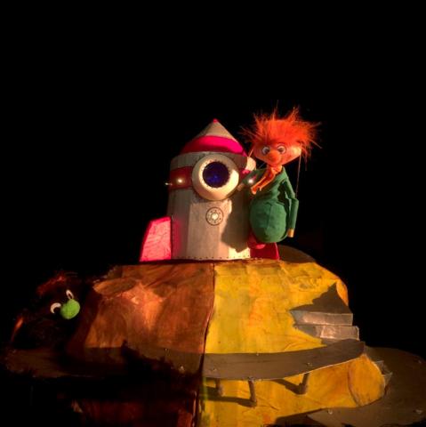 Puppet planet Bühnenbild Muriel Camus theatre anima