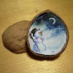 Peinture à l'huile dans une noix, miniature